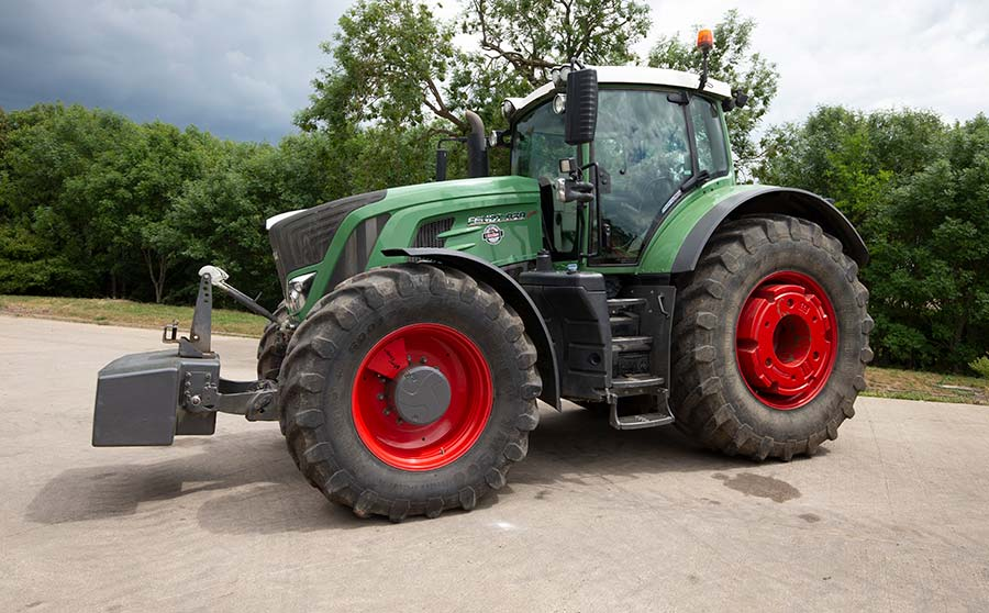 Fendt tractor at auction