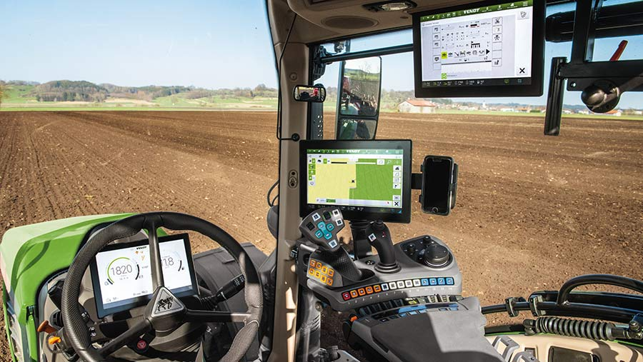 Cab in Fendt 700 Vario Profi+