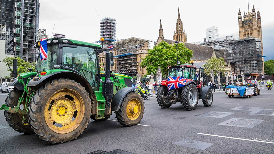 A convoy of tractors during the first protest in July this year © Guy Bell/Shutterstock