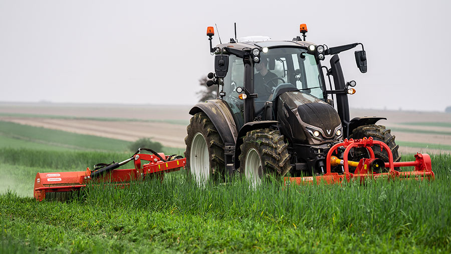 Valtra G series tractor