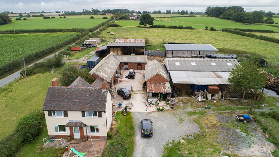 Aerial view pf 8 Old Wood