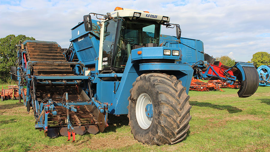 ASA Lift Swede harvester