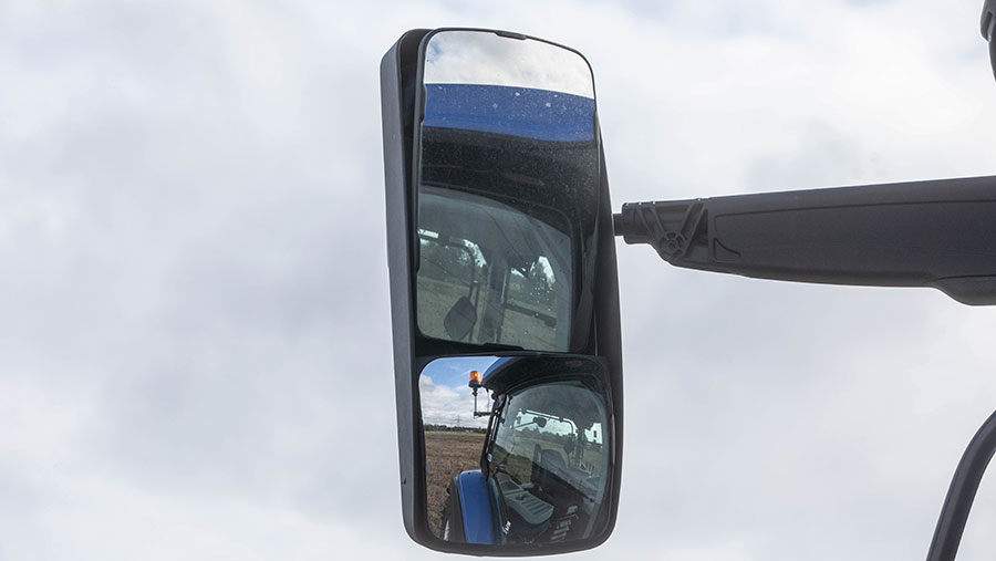 New Holland T5.140 DCT mirrors