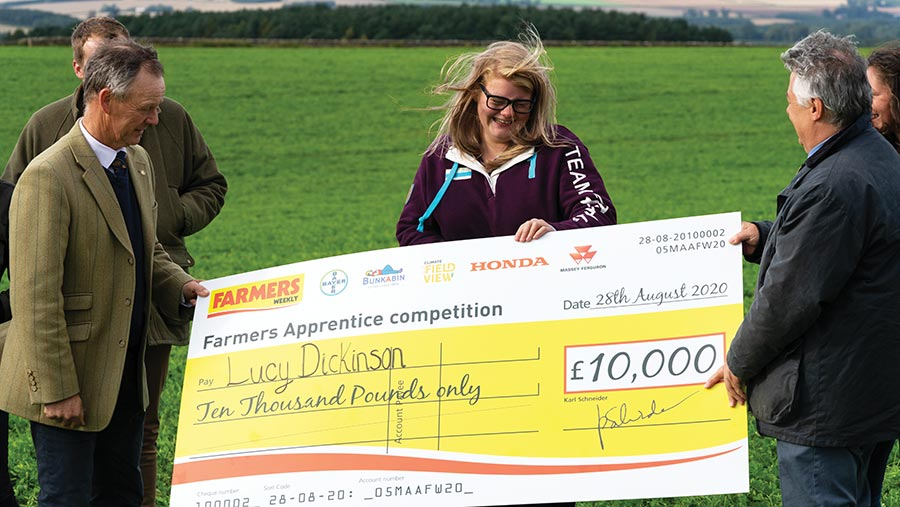 Lucy Dickinson receives her £10,000 cheque
