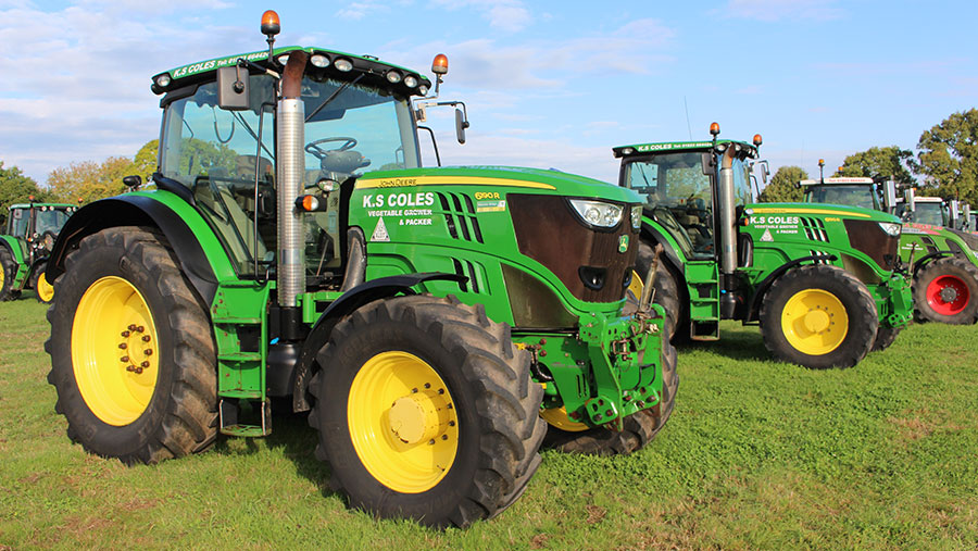 Two JD 6190R tractors