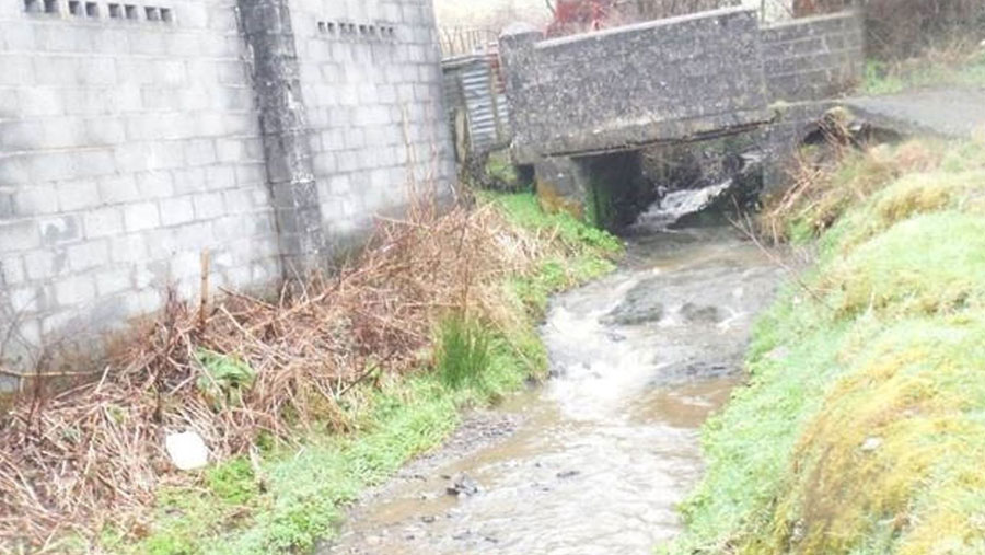 Polluted tributary of the Nant Crychiau watercourse © Natural Resources Wales