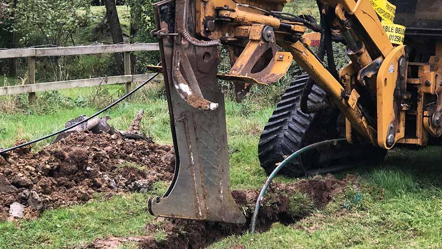 Digging leg
