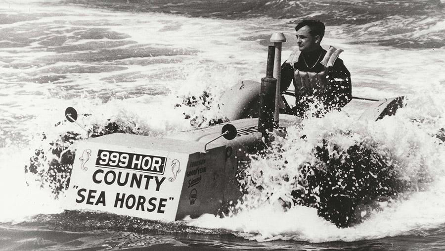 County Sea Horse tractor