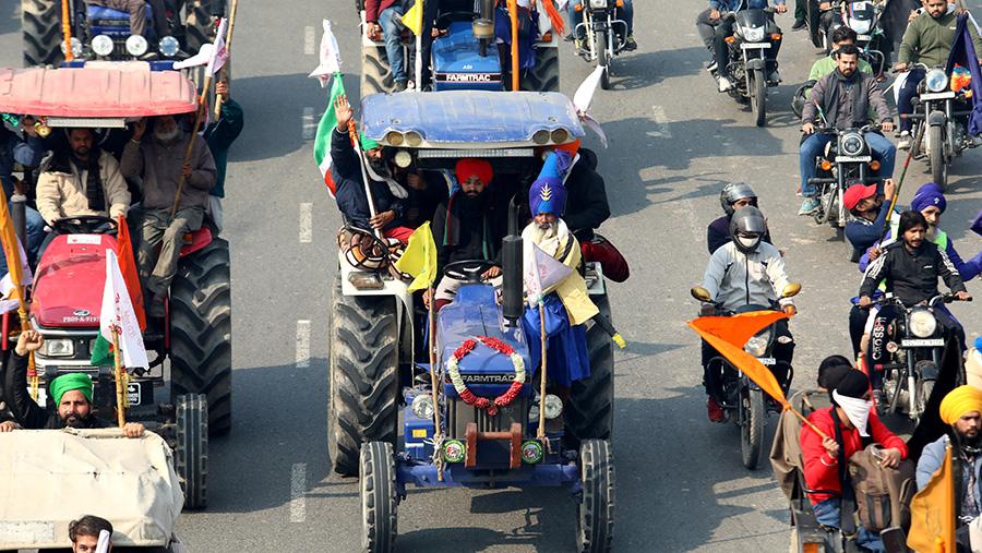 Protestors in tractors