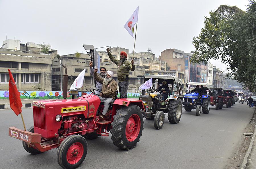 Protestors on tractors