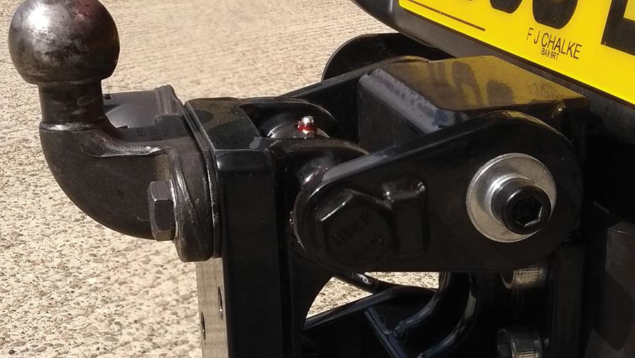 Tow-bar damper