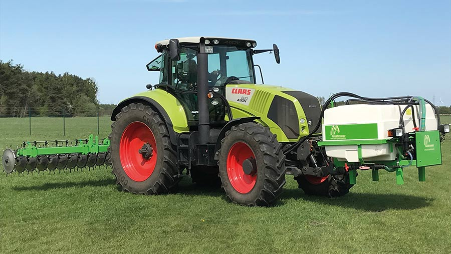 Gustrower GFI 6 4 AB boom with 1,500-litre front tank