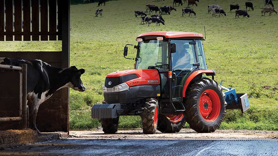Kubota scraper tractor