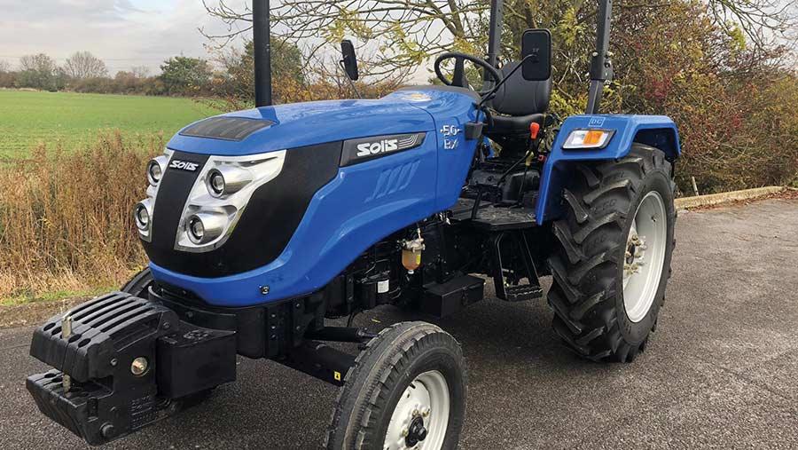 Solis scraper tractor