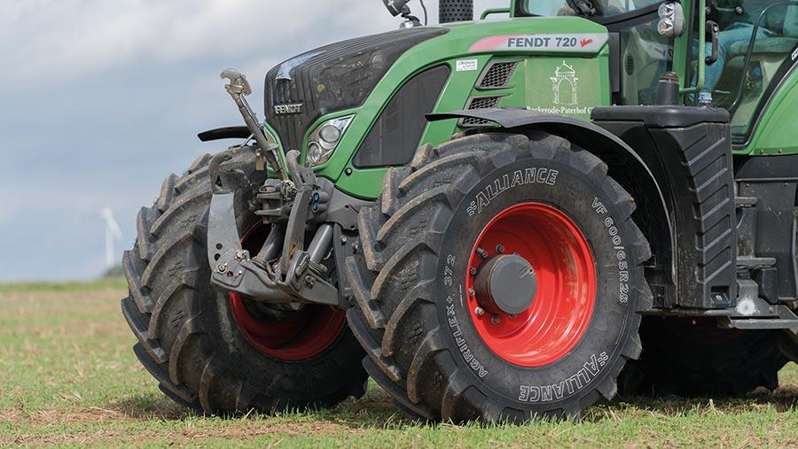 Alliance 372 Agriflex+ VF tyre