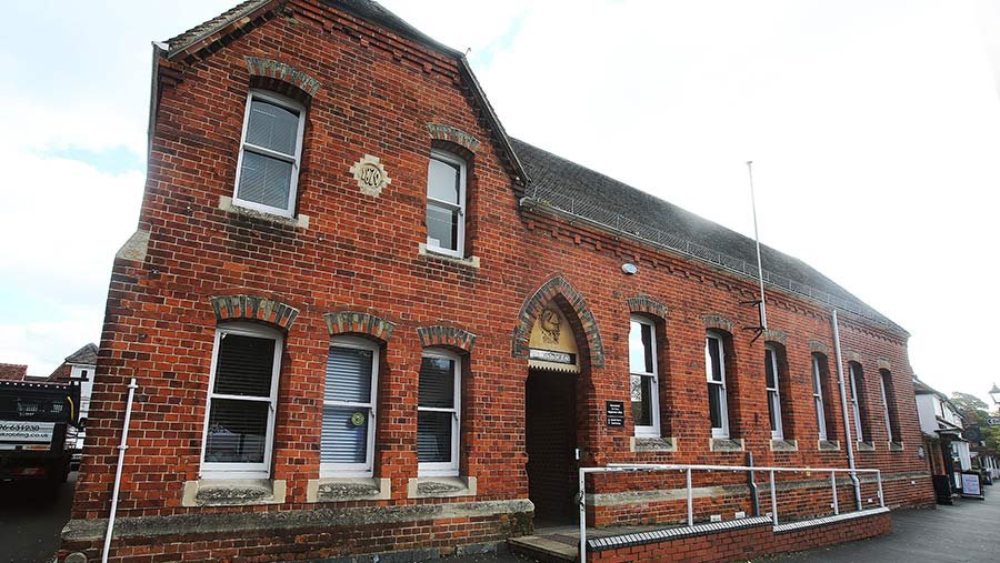 Beaconsfield Magistrate Court © South Bedfordshire News Agency