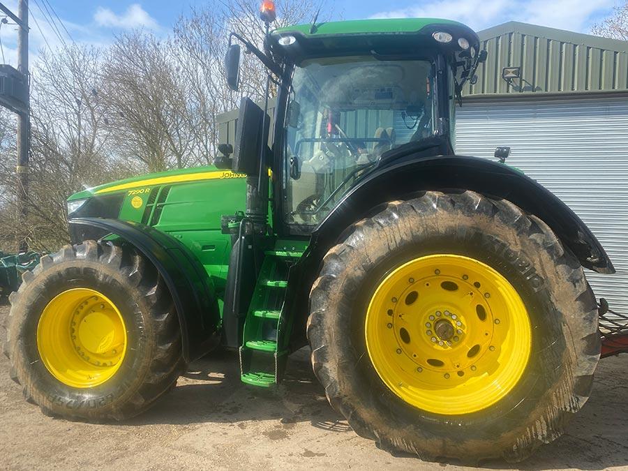 John Deere 7290R tractor