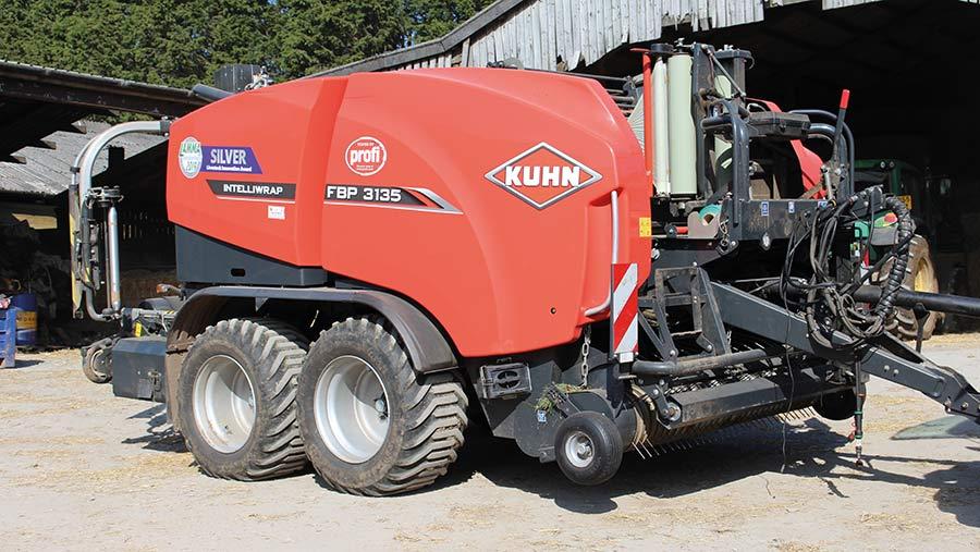 Kuhn FBP 3135 baler-wrapper