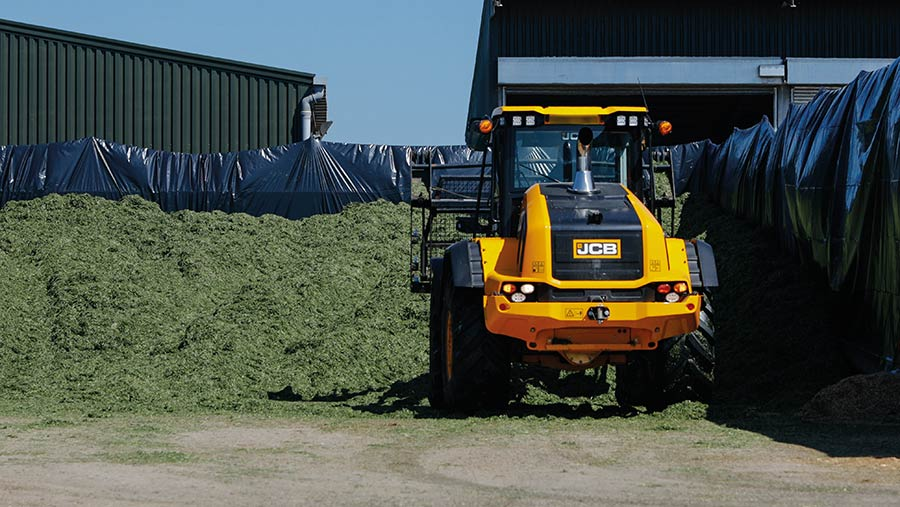 The clamp should be built ip in a concave shape © Alltech