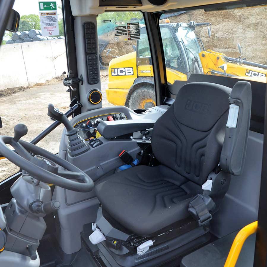 JCB TM420S cab