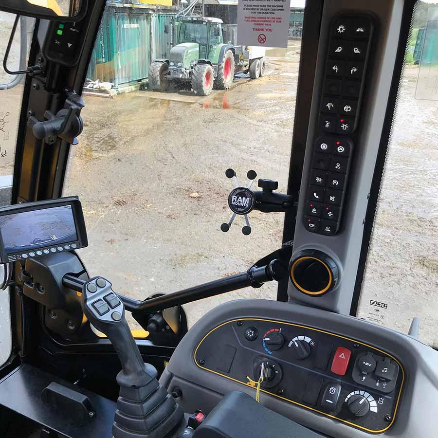 JCB TM420S controls