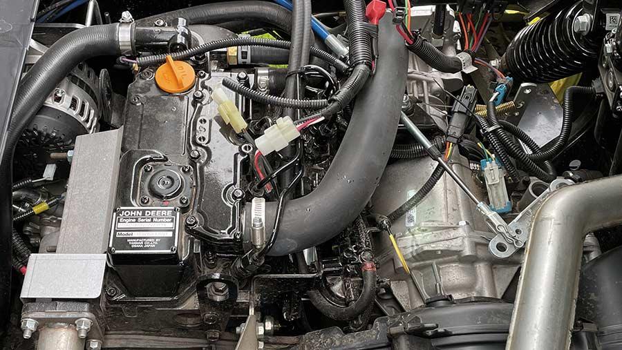 John Deere Gator XUV 865R engine