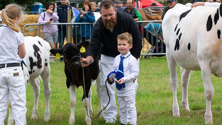 Hunter Weatherup won second place in the dairy calf class © Emma Cheape