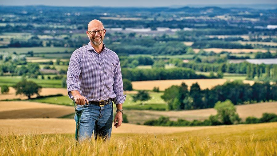 Jake Freestone, finalista campeón medioambiental de los Farmers Weekly Awards
