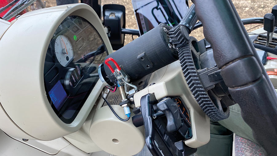 Steering unit in the cab