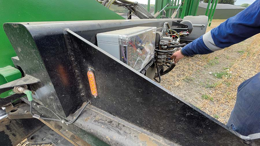 Bale chaser levers