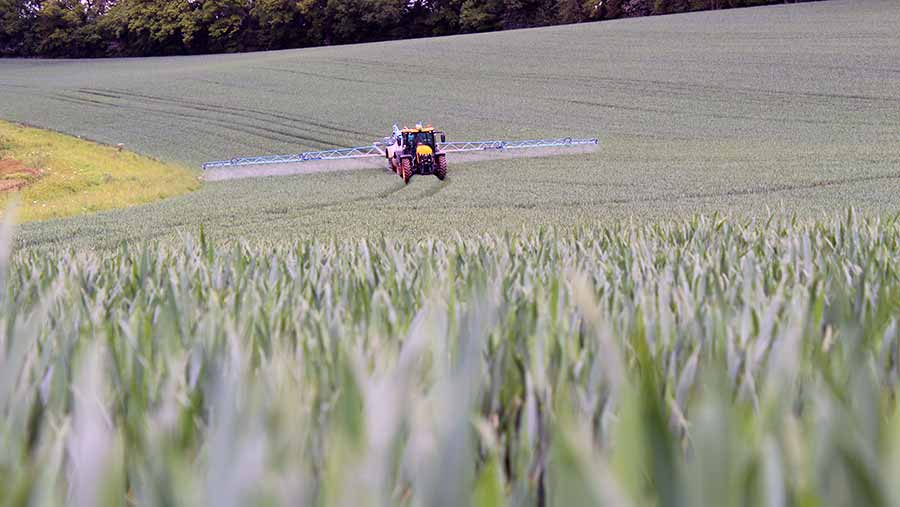 T2 sprays going on in Herefordshire © Oli Hill/RBI