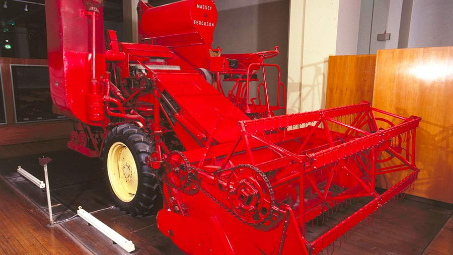 Massey Ferguson Type 780 combine harvester