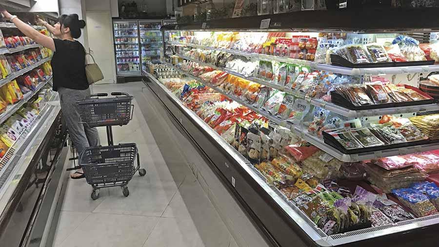 Chinese supermarket shelves