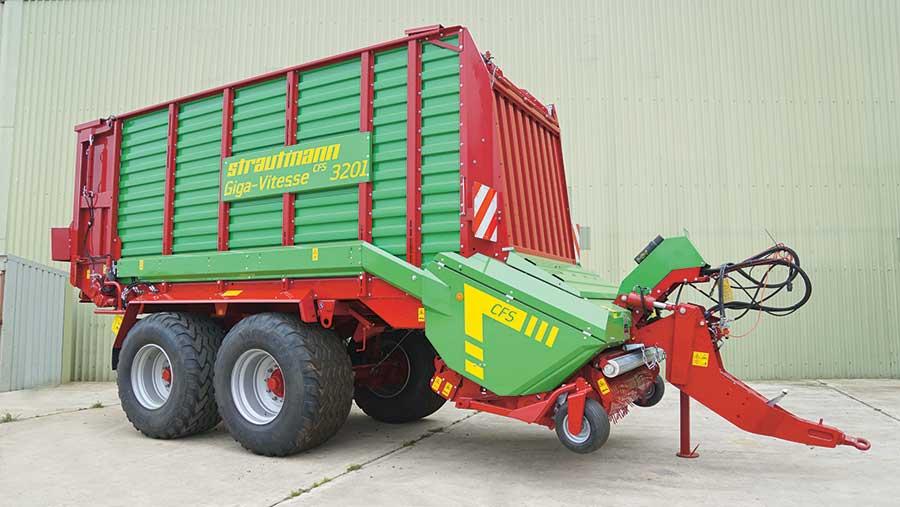 Strautmann Compact Giga Vitesse 3201