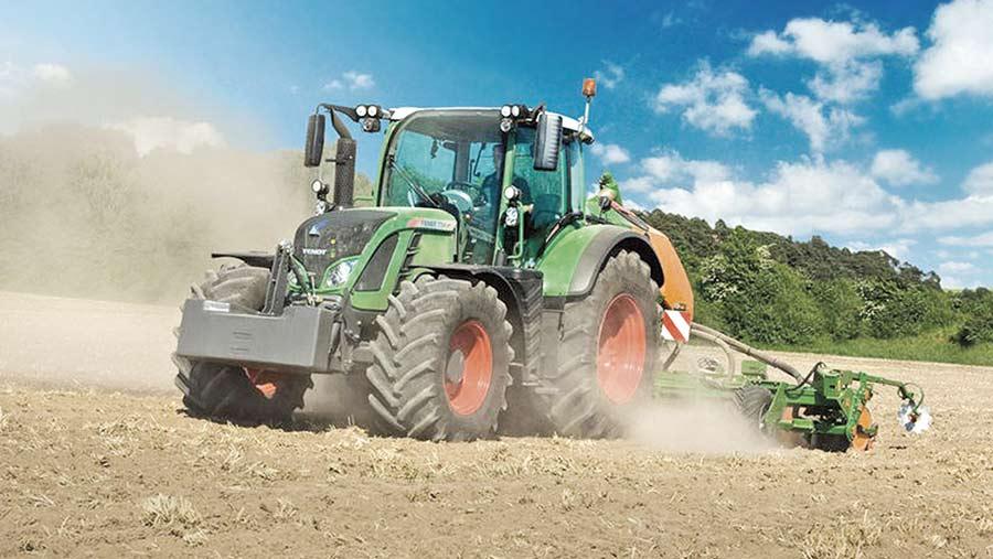 Fendt 714 tractor