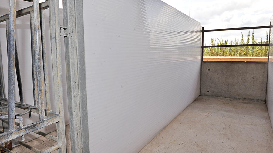 Multiwall polycarbonate thick consonant walls