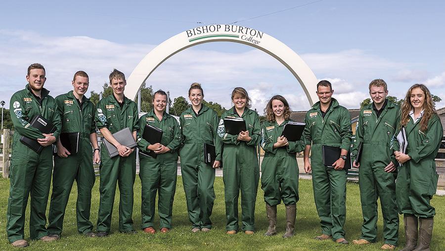 Farmers Apprentice contestants in overalls