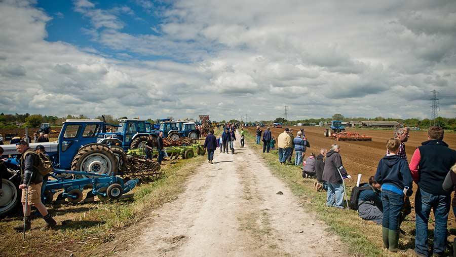 Ford tractors ans visitors