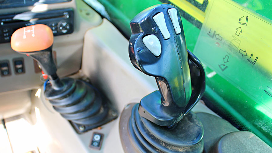 John Deere 3200 joystick