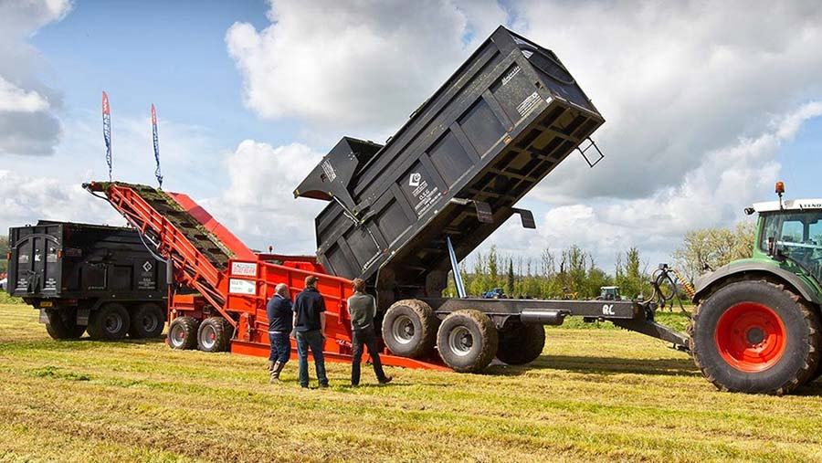 JWF silage conveyor in action