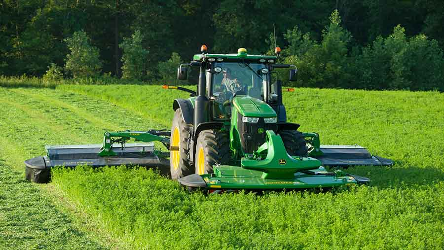 John-Deere-TMC-triple-mower-conditioner