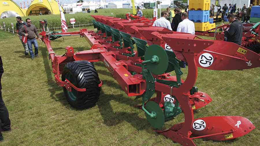 Kverneland PN auto-reset and RN shear bolt protected semi-mounted plough © Peter Hill