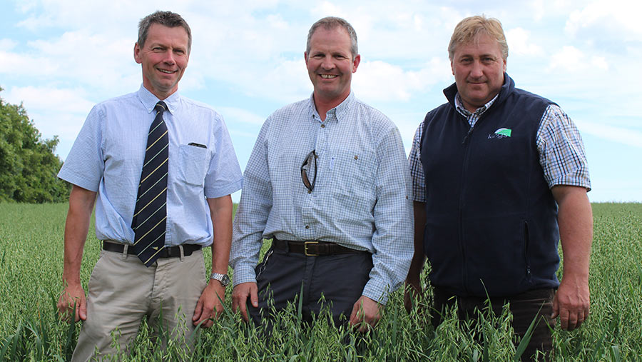 From left: Frontier agronomist Stuart Campbell, grower Guy Leonard and Kings northern technical advisor Clive Wood.