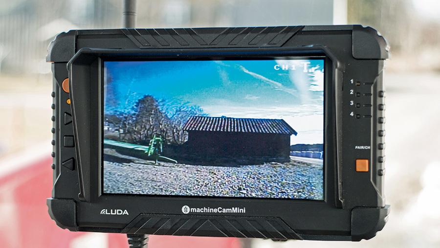 Luda's minicam screen