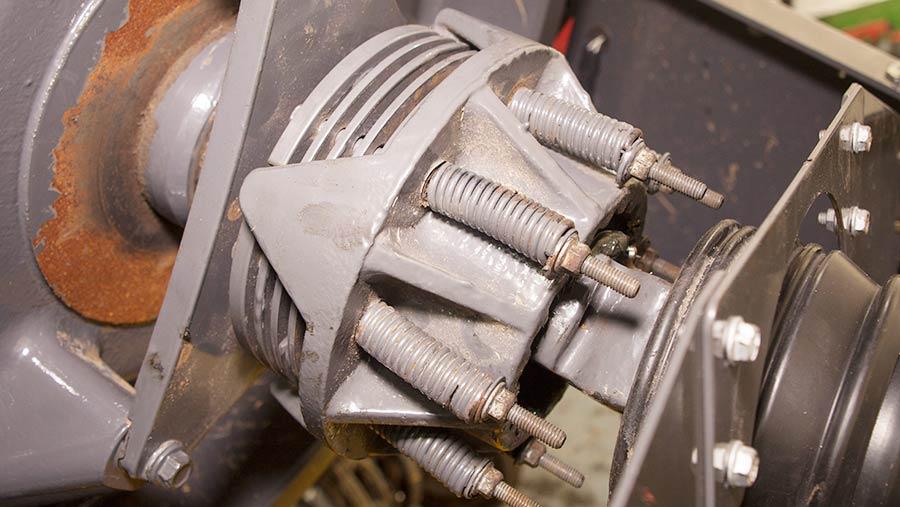 Main drive clutch
