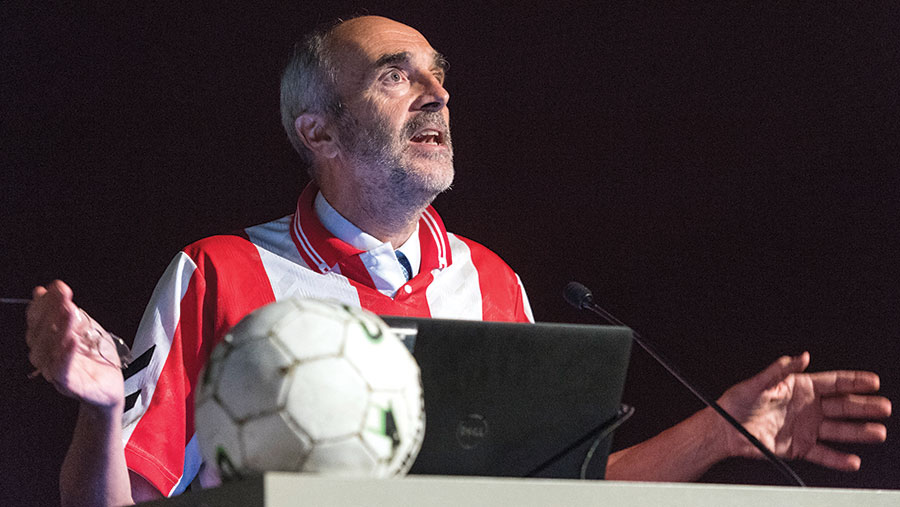 Robin Hobson tells delegates why football is like farming © Jim Varney
