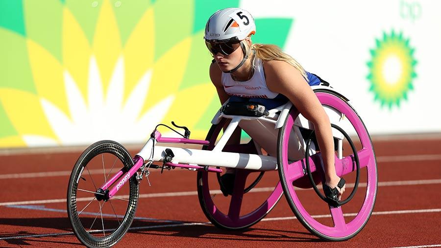 Samantha Kinghorn on the starting line