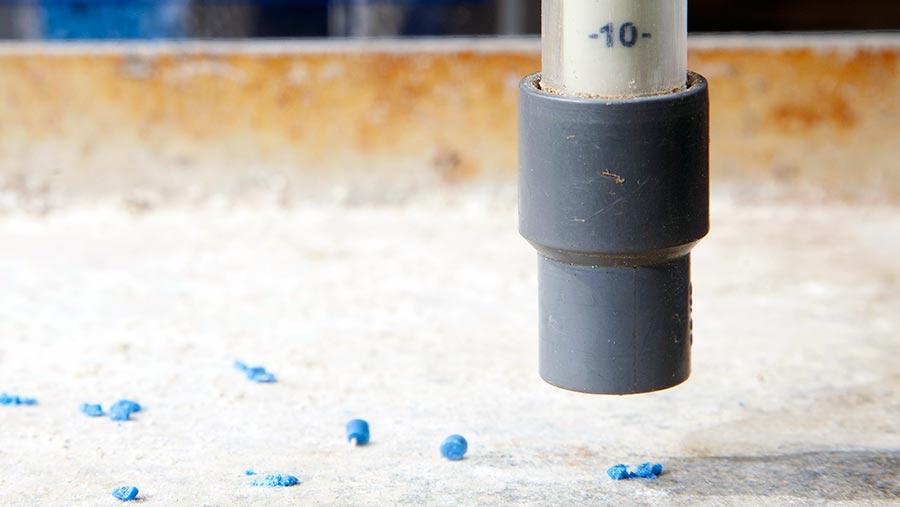 Measuring slug pellet strength