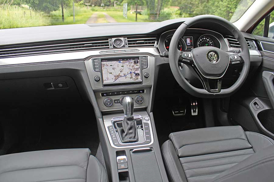 VW-Passat-Alltrack interior