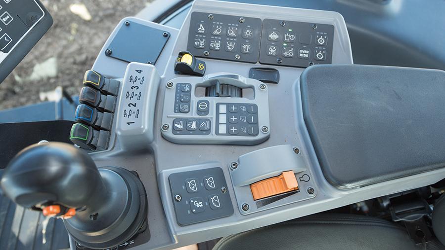 Versatile 260 controls
